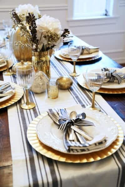 thanksgiving-table-black-and-gold
